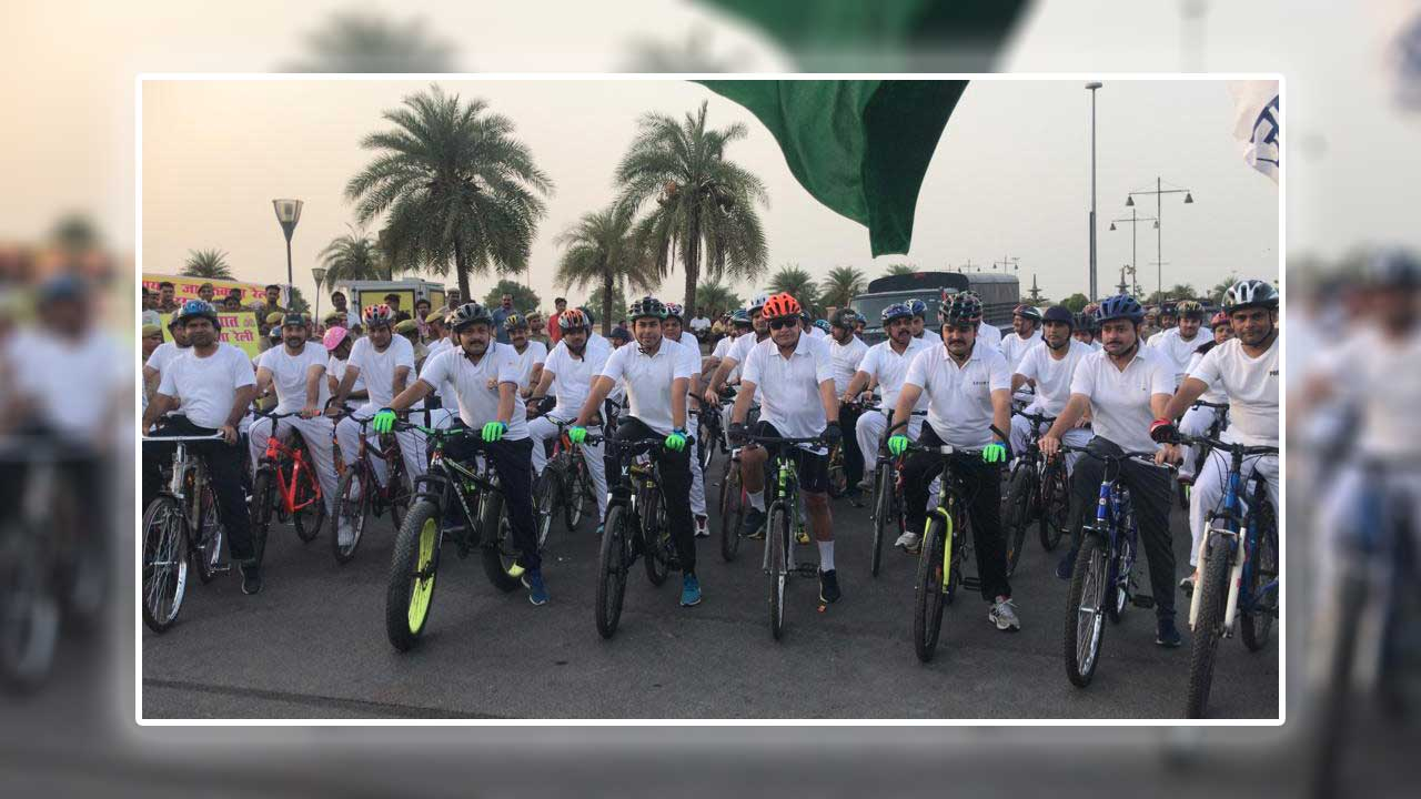 DGP, UP led a cycle rally for helmet awareness